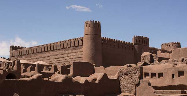 السياحة الايرانية: قلعة الرایِن